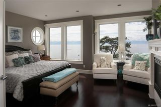 Photo 14: 1941 Crescent Rd in Oak Bay: OB Gonzales House for sale : MLS®# 837612