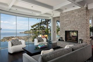 Photo 6: 1941 Crescent Rd in Oak Bay: OB Gonzales House for sale : MLS®# 837612