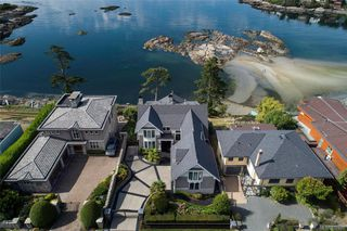 Photo 43: 1941 Crescent Rd in Oak Bay: OB Gonzales House for sale : MLS®# 837612