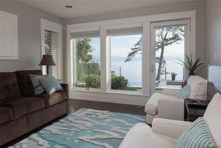 Photo 23: 1941 Crescent Rd in Oak Bay: OB Gonzales House for sale : MLS®# 837612