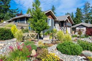 Photo 2: 1693 Glen Eagle Dr in : CR Campbell River Central House for sale (Campbell River)  : MLS®# 853709