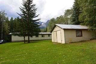 "Photo 16: 6793 KROEKER Road in Smithers: Smithers - Rural Manufactured Home for sale in ""Glacier View Estates"" (Smithers And Area (Zone 54))  : MLS®# R2495709"