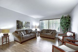 Photo 3: 239 Silvercreek Way NW in Calgary: Silver Springs Detached for sale : MLS®# A1040250