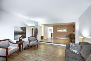 Photo 4: 239 Silvercreek Way NW in Calgary: Silver Springs Detached for sale : MLS®# A1040250