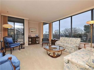 Photo 2: 206 1033 Belmont Avenue in VICTORIA: Vi Rockland Condo Apartment for sale (Victoria)  : MLS®# 318213