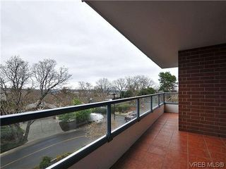Photo 18: 206 1033 Belmont Avenue in VICTORIA: Vi Rockland Condo Apartment for sale (Victoria)  : MLS®# 318213