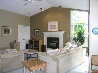 Photo 2: 545 Parkway Pl in COBBLE HILL: ML Cobble Hill House for sale (Malahat & Area)  : MLS®# 636679