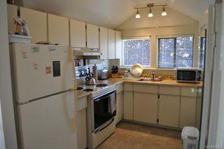 Photo 4: 27 Olympia Ave in VICTORIA: Vi James Bay Multi Family for sale (Victoria)  : MLS®# 638828
