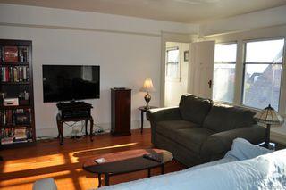 Photo 3: 27 Olympia Ave in VICTORIA: Vi James Bay Multi Family for sale (Victoria)  : MLS®# 638828