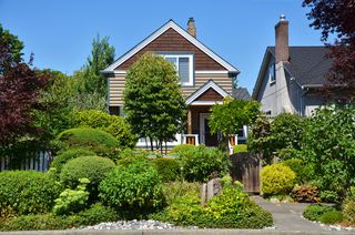 "Photo 1: 1009 E 14TH AV in Vancouver: Mount Pleasant VE House for sale in ""MOUNT PLEASANT"" (Vancouver East)  : MLS®# V1024013"
