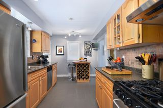 "Photo 7: 1009 E 14TH AV in Vancouver: Mount Pleasant VE House for sale in ""MOUNT PLEASANT"" (Vancouver East)  : MLS®# V1024013"