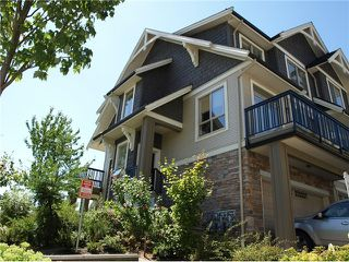 Photo 2: 116 3105 Dayanee Springs blvd in Coquitlam: Westwood Plateau Townhouse for sale : MLS®# V1020079