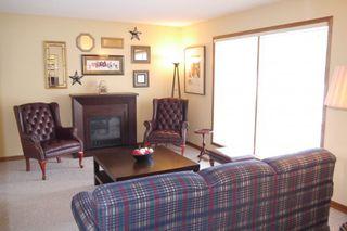 Photo 2: 54 Montclair Bay in Winnipeg: Fort Garry / Whyte Ridge / St Norbert Residential for sale (South Winnipeg)  : MLS®# 1405099