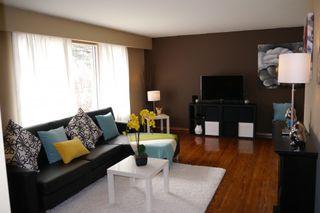 Photo 3: 1063 Ducharme Avenue in Winnipeg: St. Norbert Single Family Detached for sale (South Winnipeg)  : MLS®# 1508054