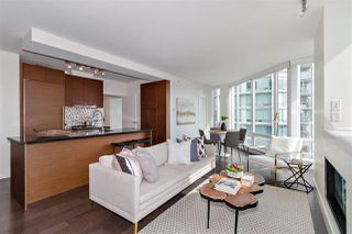 """Photo 3: 2501 565 SMITHE Street in Vancouver: Downtown VW Condo for sale in """"VITA"""" (Vancouver West)  : MLS®# R2396298"""