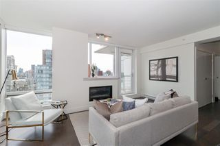 """Photo 4: 2501 565 SMITHE Street in Vancouver: Downtown VW Condo for sale in """"VITA"""" (Vancouver West)  : MLS®# R2396298"""