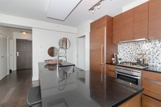 """Photo 7: 2501 565 SMITHE Street in Vancouver: Downtown VW Condo for sale in """"VITA"""" (Vancouver West)  : MLS®# R2396298"""