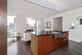 """Photo 8: 2501 565 SMITHE Street in Vancouver: Downtown VW Condo for sale in """"VITA"""" (Vancouver West)  : MLS®# R2396298"""