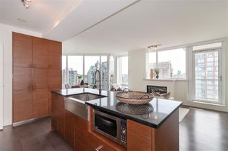 """Photo 5: 2501 565 SMITHE Street in Vancouver: Downtown VW Condo for sale in """"VITA"""" (Vancouver West)  : MLS®# R2396298"""