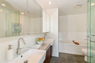 """Photo 13: 2501 565 SMITHE Street in Vancouver: Downtown VW Condo for sale in """"VITA"""" (Vancouver West)  : MLS®# R2396298"""