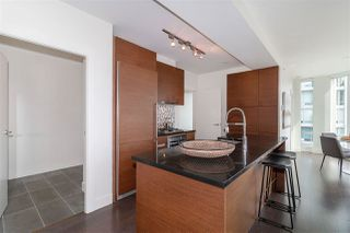 """Photo 6: 2501 565 SMITHE Street in Vancouver: Downtown VW Condo for sale in """"VITA"""" (Vancouver West)  : MLS®# R2396298"""