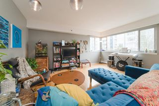 "Photo 9: 302 1050 JERVIS Street in Vancouver: West End VW Condo for sale in ""JERVIS MANOR"" (Vancouver West)  : MLS®# R2435490"