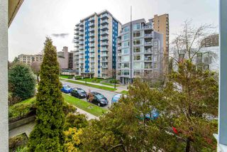 "Photo 12: 302 1050 JERVIS Street in Vancouver: West End VW Condo for sale in ""JERVIS MANOR"" (Vancouver West)  : MLS®# R2435490"