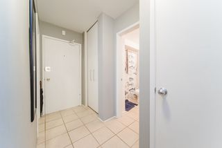 "Photo 3: 302 1050 JERVIS Street in Vancouver: West End VW Condo for sale in ""JERVIS MANOR"" (Vancouver West)  : MLS®# R2435490"
