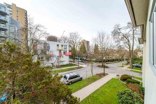 "Photo 13: 302 1050 JERVIS Street in Vancouver: West End VW Condo for sale in ""JERVIS MANOR"" (Vancouver West)  : MLS®# R2435490"