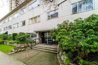 "Photo 2: 302 1050 JERVIS Street in Vancouver: West End VW Condo for sale in ""JERVIS MANOR"" (Vancouver West)  : MLS®# R2435490"