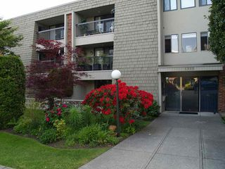 "Photo 3: 105 1355 FIR Street: White Rock Condo for sale in ""THE PAULINE"" (South Surrey White Rock)  : MLS®# R2452056"