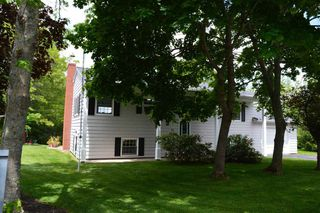 Photo 1: 15 FOWLER in New Minas: 404-Kings County Residential for sale (Annapolis Valley)  : MLS®# 202009883
