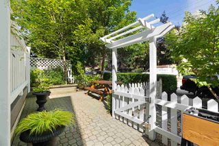 Photo 2: 886 UNION Street in Vancouver: Strathcona House 1/2 Duplex for sale (Vancouver East)  : MLS®# R2479143
