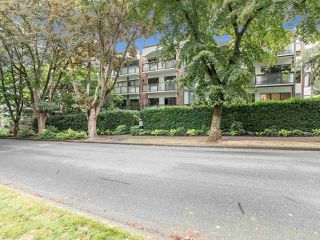 """Photo 5: 104 1535 W NELSON Street in Vancouver: West End VW Condo for sale in """"The Admiral"""" (Vancouver West)  : MLS®# R2482296"""