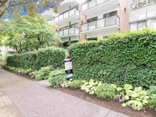 """Photo 3: 104 1535 W NELSON Street in Vancouver: West End VW Condo for sale in """"The Admiral"""" (Vancouver West)  : MLS®# R2482296"""