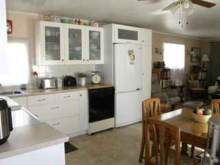 Photo 4: 14 62010 FLOOD HOPE Road in Hope: Hope Center Manufactured Home for sale : MLS®# R2495663