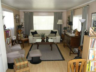 Photo 2: 14 62010 FLOOD HOPE Road in Hope: Hope Center Manufactured Home for sale : MLS®# R2495663
