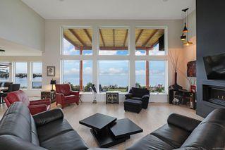 Photo 17: 4 1310 Wilkinson Rd in : CV Comox Peninsula House for sale (Comox Valley)  : MLS®# 860262