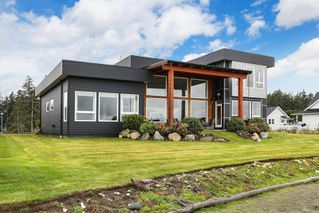 Photo 37: 4 1310 Wilkinson Rd in : CV Comox Peninsula House for sale (Comox Valley)  : MLS®# 860262