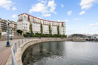 Photo 1: 318 10 Paul Kane Pl in : VW Songhees Condo for sale (Victoria West)  : MLS®# 862868