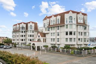 Photo 4: 318 10 Paul Kane Pl in : VW Songhees Condo for sale (Victoria West)  : MLS®# 862868