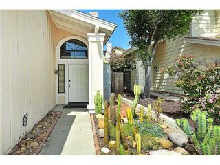 Photo 2: LEMON GROVE House for sale : 3 bedrooms : 7910 Rosewood Lane