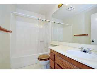 Photo 13: LEMON GROVE House for sale : 3 bedrooms : 7910 Rosewood Lane