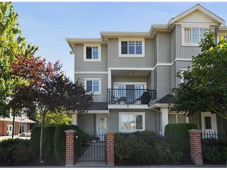 "Photo 4: 1 5988 OLD MCLELLAN Road in Surrey: Cloverdale BC Townhouse for sale in ""McLellan Mews"" (Cloverdale)  : MLS®# F1316563"