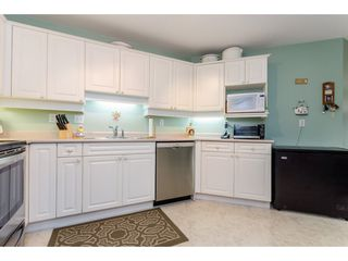 Photo 9: 302 5465 201 STREET in Langley: Langley City Condo for sale : MLS®# R2078441