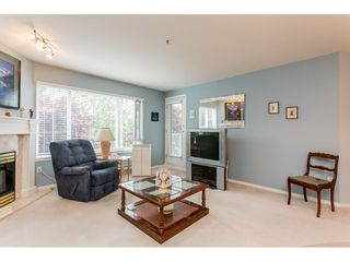 Photo 4: 302 5465 201 STREET in Langley: Langley City Condo for sale : MLS®# R2078441