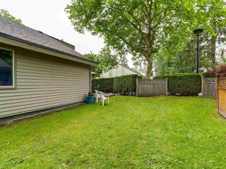 Photo 12: 6118 W GREENSIDE DRIVE in Surrey: Cloverdale BC Townhouse for sale (Cloverdale)  : MLS®# R2278164