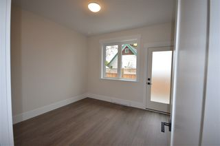 Photo 3: 1368 TENTH AVENUE in New Westminster: West End NW House for sale : MLS®# R2264335
