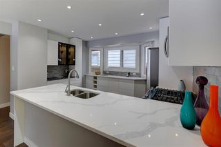 Photo 5: 11215 35 AV NW in Edmonton: Zone 16 House for sale : MLS®# E4138404
