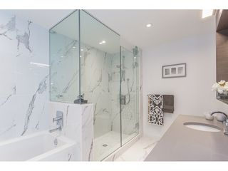 Photo 12: 1690 PULLMAN PORTER Street in Vancouver: Mount Pleasant VE Townhouse for sale (Vancouver East)  : MLS®# R2399268